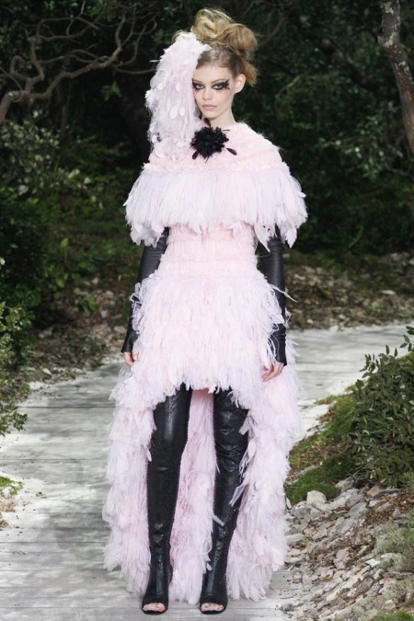 chanel-spring-2013-couture-collection-petals-feathers-dress